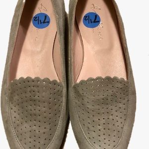 New soft gray leather flats,7.5 Vero Cuoio